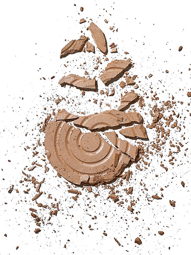 Make up powder brown